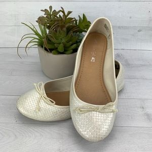 American Eagle Shoe Ballet Flat Ivory Textured 11W